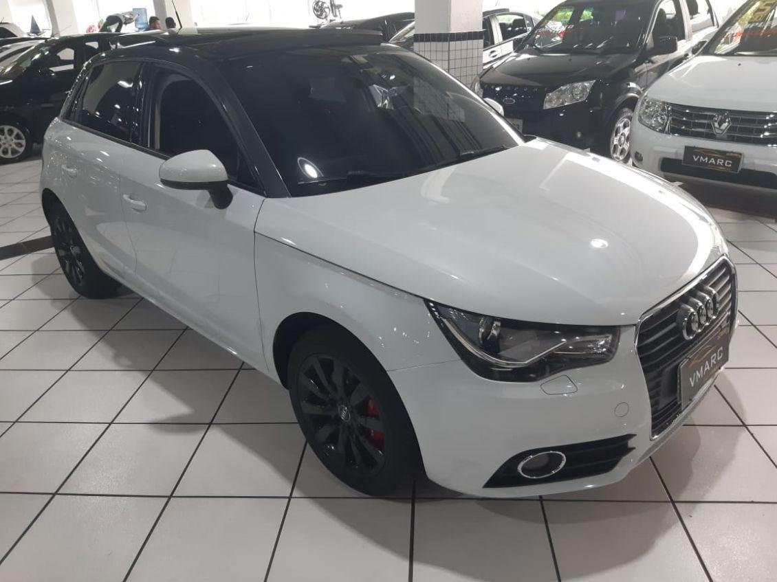 //www.autoline.com.br/carro/audi/a1-14-tfsi-attraction-16v-sportback-gasolina-4p/2014/sao-paulo-sp/11732714