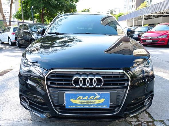 //www.autoline.com.br/carro/audi/a1-14-tfsi-attraction-16v-122cv-gasolina-2p-auto/2011/sao-paulo-sp/14012171