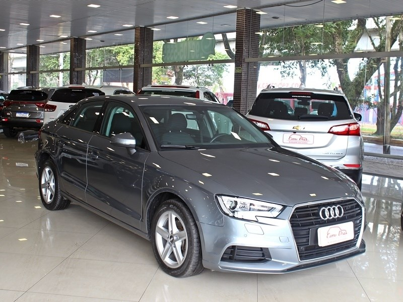 //www.autoline.com.br/carro/audi/a3-14-prestige-150cv-16v-sedan-flex-4p-automatic/2019/novo-hamburgo-rs/12118884