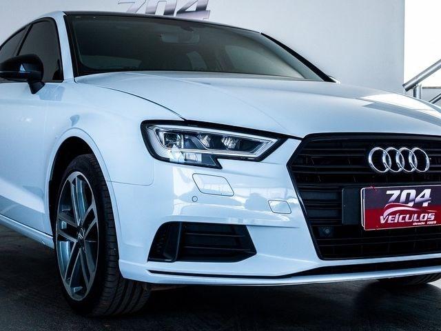 //www.autoline.com.br/carro/audi/a3-20-performance-220cv-16v-sedan-gasolina-4p-s/2020/brasilia-df/12306928