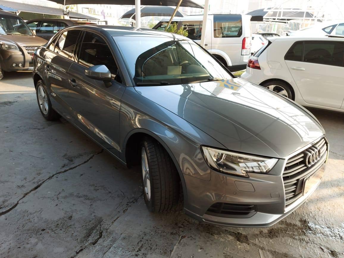 //www.autoline.com.br/carro/audi/a3-14-prestige-150cv-16v-sedan-flex-4p-automatic/2019/sao-jose-dos-campos-sp/12695415