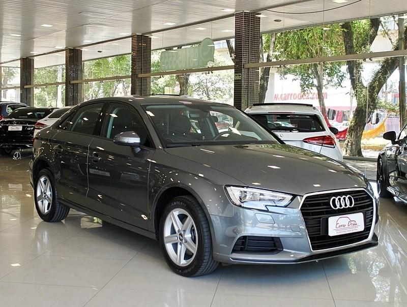 //www.autoline.com.br/carro/audi/a3-14-ambiente-150cv-16v-sedan-flex-4p-automatic/2017/novo-hamburgo-rs/13602889