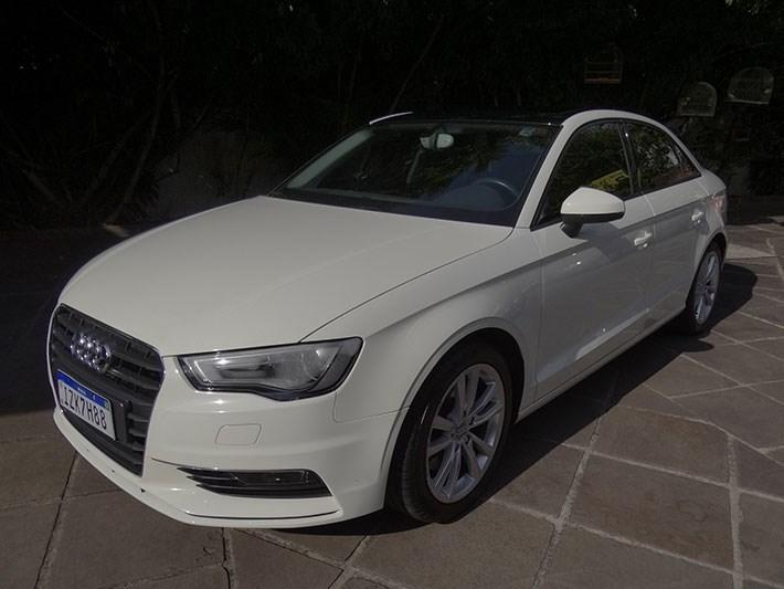 //www.autoline.com.br/carro/audi/a3-18-tfsi-ambition-180cv-16v-sedan-gasolina-4p/2015/porto-alegre-rs/13867204