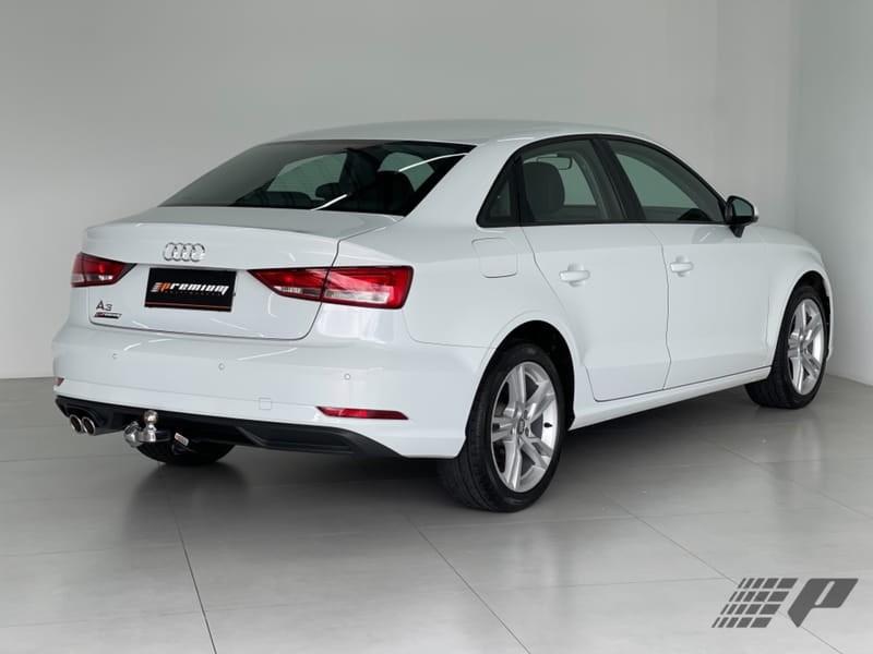//www.autoline.com.br/carro/audi/a3-14-sedan-prestige-plus-16v-flex-4p-turbo-tipt/2020/curitiba-pr/14452809
