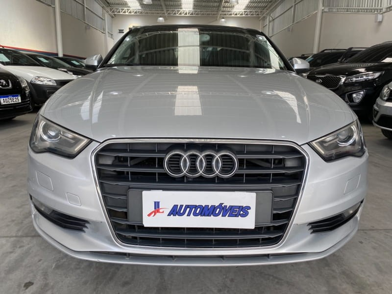 //www.autoline.com.br/carro/audi/a3-18-sedan-tfsi-ambition-16v-gasolina-4p-turbo/2014/curitiba-pr/14557152