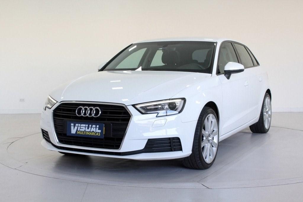 //www.autoline.com.br/carro/audi/a3-14-sportback-ambiente-16v-gasolina-4p-turbo-s/2017/curitiba-pr/15119150