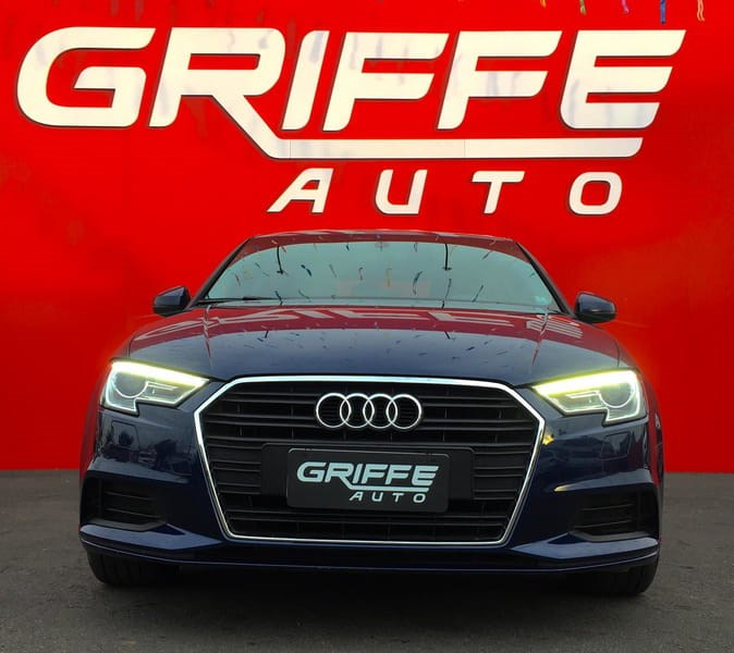 //www.autoline.com.br/carro/audi/a3-14-sedan-ambiente-16v-flex-4p-turbo-tiptronic/2017/curitiba-pr/15203392