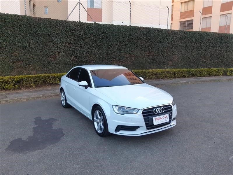 //www.autoline.com.br/carro/audi/a3-14-sedan-tfsi-attraction-s-tronic-16v-gasolin/2016/campinas-sp/15270795