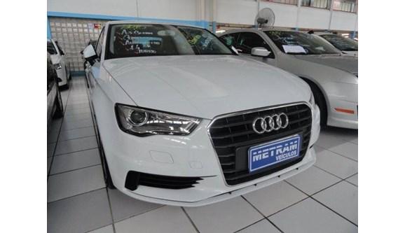 //www.autoline.com.br/carro/audi/a3-14-tfsi-attraction-122cv-16v-sedan-gasolina-4/2015/guarulhos-sp/7637688