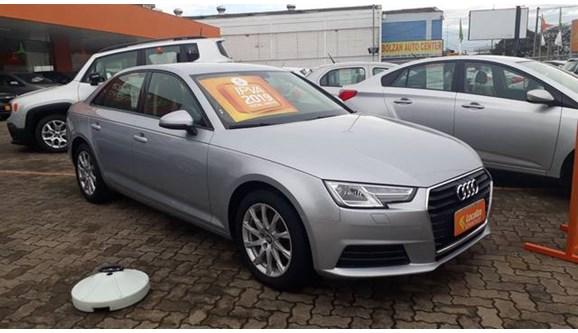//www.autoline.com.br/carro/audi/a4-20-tfsi-attraction-16v-sedan-gasolina-4p-s-tr/2018/porto-alegre-rs/8395579