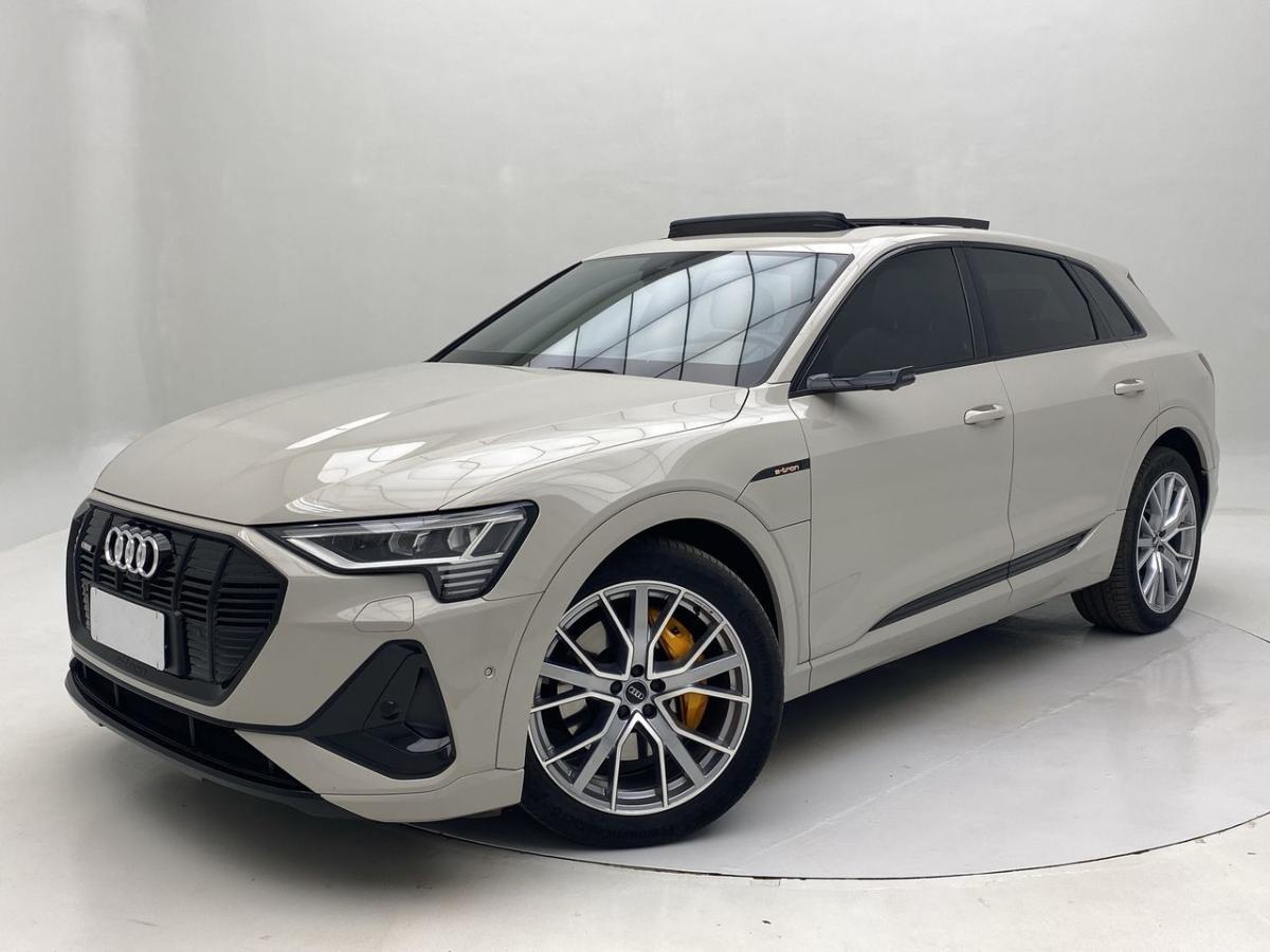 //www.autoline.com.br/carro/audi/e-tron-performance-black-quattro-24v-eletrico-4p-aut/2020/belo-horizonte-mg/15120972