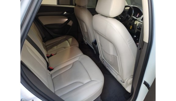 //www.autoline.com.br/carro/audi/q3-20-tfsi-ambiente-quattro-4p-gasolina-s-tronic/2014/campo-grande-ms/11887666