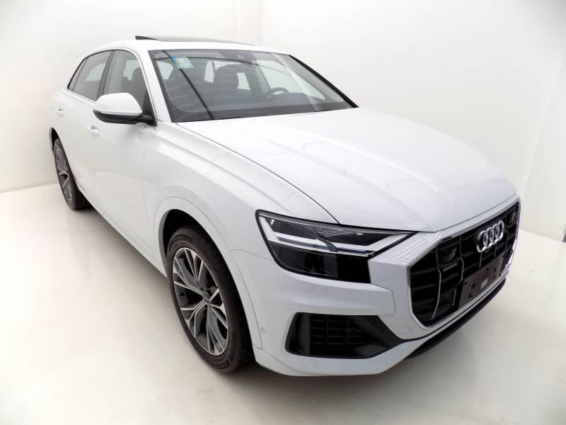 //www.autoline.com.br/carro/audi/q8-30-performance-quattro-24v-gasolina-4p-turbo/2021/sao-jose-sc/14789921