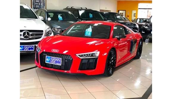 //www.autoline.com.br/carro/audi/r8-52-fsi-plus-40v-coupe-gasolina-2p-s-tronic/2018/maringa-pr/8503112