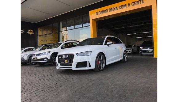 //www.autoline.com.br/carro/audi/rs3-25-tfsi-20v-sportback-gasolina-4p-s-tronic/2016/patrocinio-mg/9348669