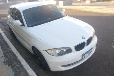 //www.autoline.com.br/carro/bmw/118i-20-top-16v-gasolina-4p-automatico/2011/itu-sp/15211854