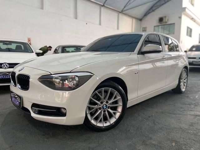 //www.autoline.com.br/carro/bmw/120i-20-sport-16v-flex-4p-automatico/2015/sao-paulo-sp/12006156