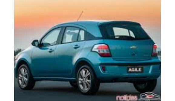 //www.autoline.com.br/carro/bmw/120i-20-16v-150cv-4p-gasolina-automatico/2004/sao-paulo-sp/6723411