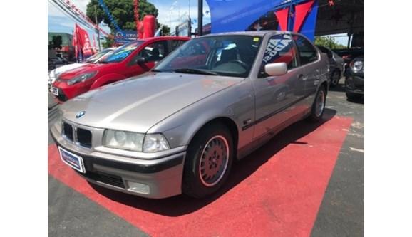 //www.autoline.com.br/carro/bmw/318i-18-compact-16v-gasolina-2p/1995/uberlandia-mg/7506703