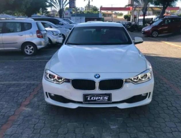 //www.autoline.com.br/carro/bmw/320i-20-16v-sedan-flex-4p-automatico/2014/fortaleza-ce/12090850
