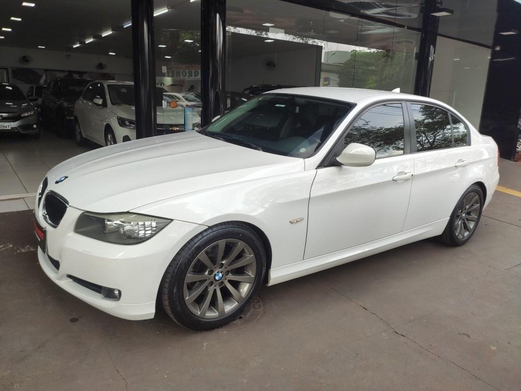 //www.autoline.com.br/carro/bmw/320i-20-sedan-16v-gasolina-4p-automatico/2012/maringa-pr/14107425