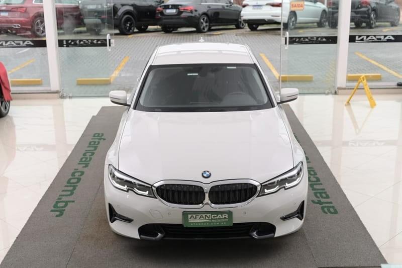 //www.autoline.com.br/carro/bmw/320i-20-sedan-sport-16v-gasolina-4p-turbo-automati/2020/curitiba-pr/14462694