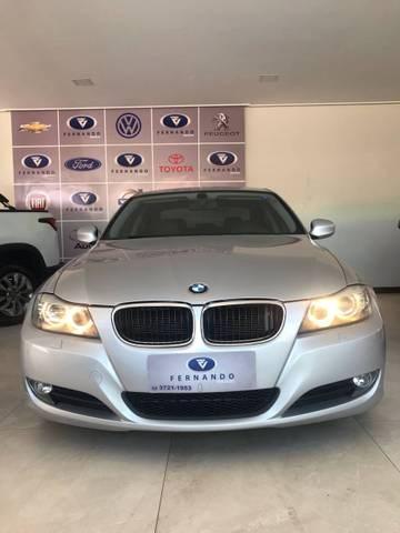 //www.autoline.com.br/carro/bmw/320i-20-sedan-top-16v-gasolina-4p-automatico/2011/muriae-mg/15133577