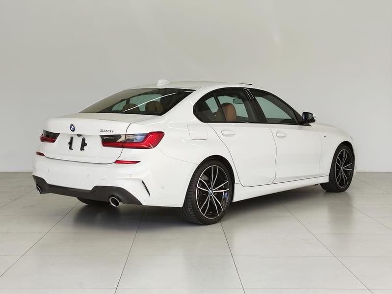 //www.autoline.com.br/carro/bmw/320i-20-sedan-m-sport-16v-gasolina-4p-turbo-automa/2020/curitiba-pr/15238571
