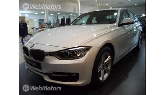 //www.autoline.com.br/carro/bmw/320i-20-sport-16v-sedan-flex-4p-automatico/2018/sao-paulo-sp/7647030