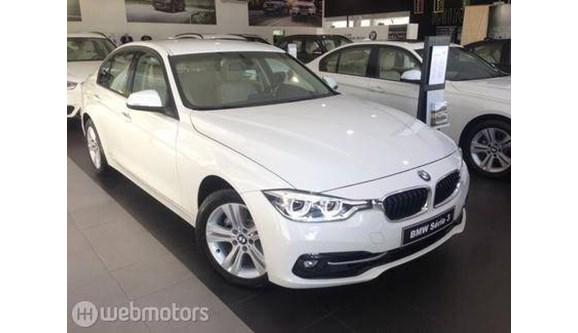 //www.autoline.com.br/carro/bmw/320i-20-sport-16v-sedan-flex-4p-automatico/2018/sao-paulo-sp/7647408