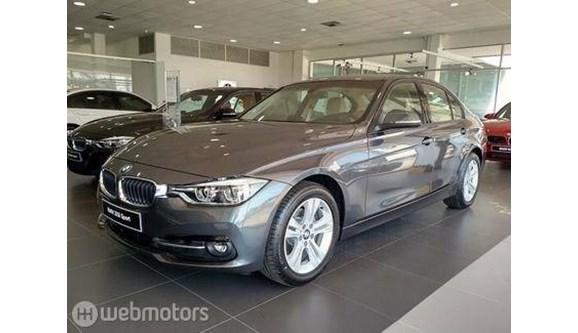 //www.autoline.com.br/carro/bmw/320i-20-sport-16v-sedan-flex-4p-automatico/2018/sao-paulo-sp/7647417