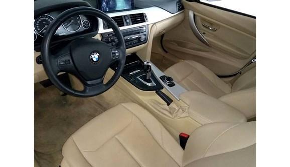 //www.autoline.com.br/carro/bmw/320i-20-gp-16v-turbo-184cv-4p-gasolina-automatico/2014/sao-paulo-sp/9294563