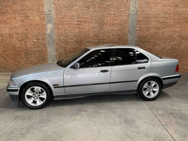 //www.autoline.com.br/carro/bmw/325i-25-24v-170cv-4p-gasolina-automatico/1994/sao-paulo-sp/14246115