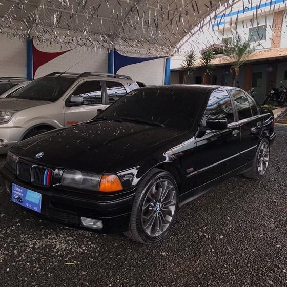 //www.autoline.com.br/carro/bmw/325i-25-24v-218cv-4p-gasolina-automatico/1994/nova-odessa-sp/15594345