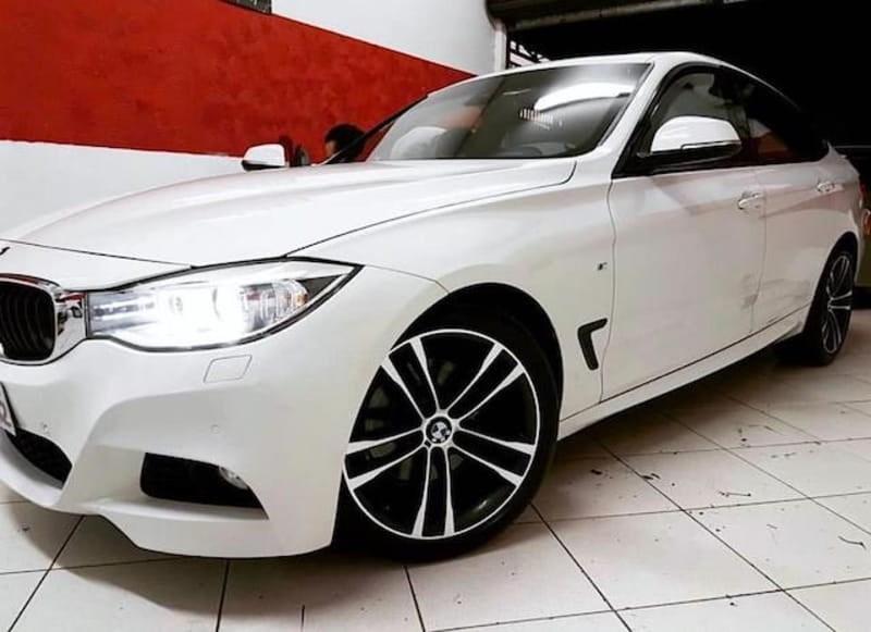 //www.autoline.com.br/carro/bmw/328i-20-m-sport-16v-gasolina-4p-automatico/2015/sao-jose-dos-campos-sp/10099556