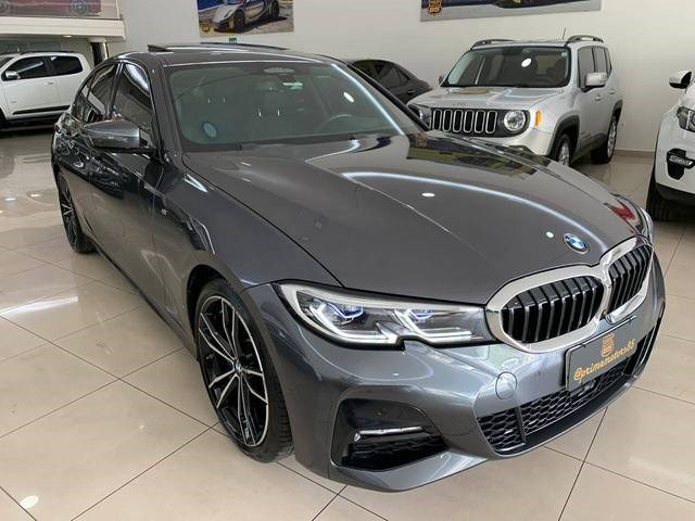 //www.autoline.com.br/carro/bmw/330i-20-m-sport-16v-gasolina-4p-turbo-automatico/2020/goiania-go/12652569
