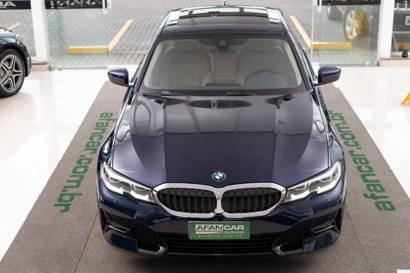//www.autoline.com.br/carro/bmw/330i-20-sport-16v-gasolina-4p-turbo-automatico/2020/curitiba-pr/14494898
