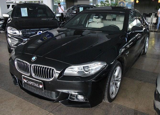 //www.autoline.com.br/carro/bmw/535i-30-m-sport-24v-sedan-gasolina-4p-automatico/2015/brasilia-df/13737183