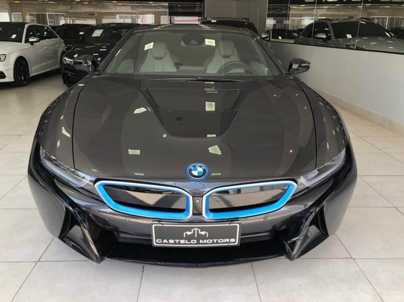 //www.autoline.com.br/carro/bmw/i8-15-coupe-hybrid-12v-flex-2p-4x4-turbo-automat/2015/campinas-sp/14562299