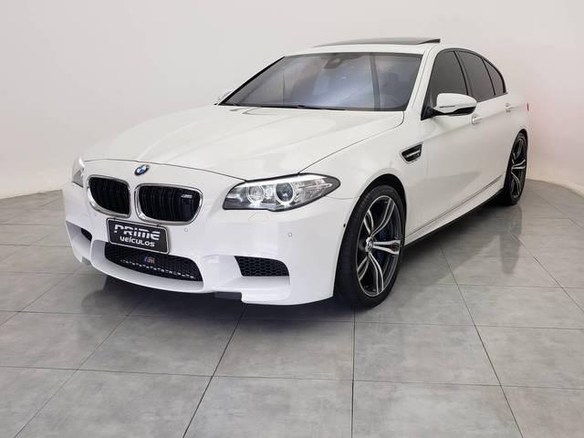 //www.autoline.com.br/carro/bmw/m5-44-v8-32v-gasolina-4p-turbo-automatizado/2014/belo-horizonte-mg/14681272