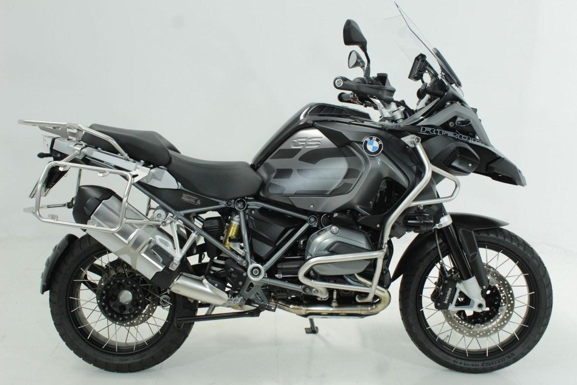 //www.autoline.com.br/moto/bmw/r-1200-gs-adventure-premium-triple-black-gas/2018/jundiai-sp/13385958