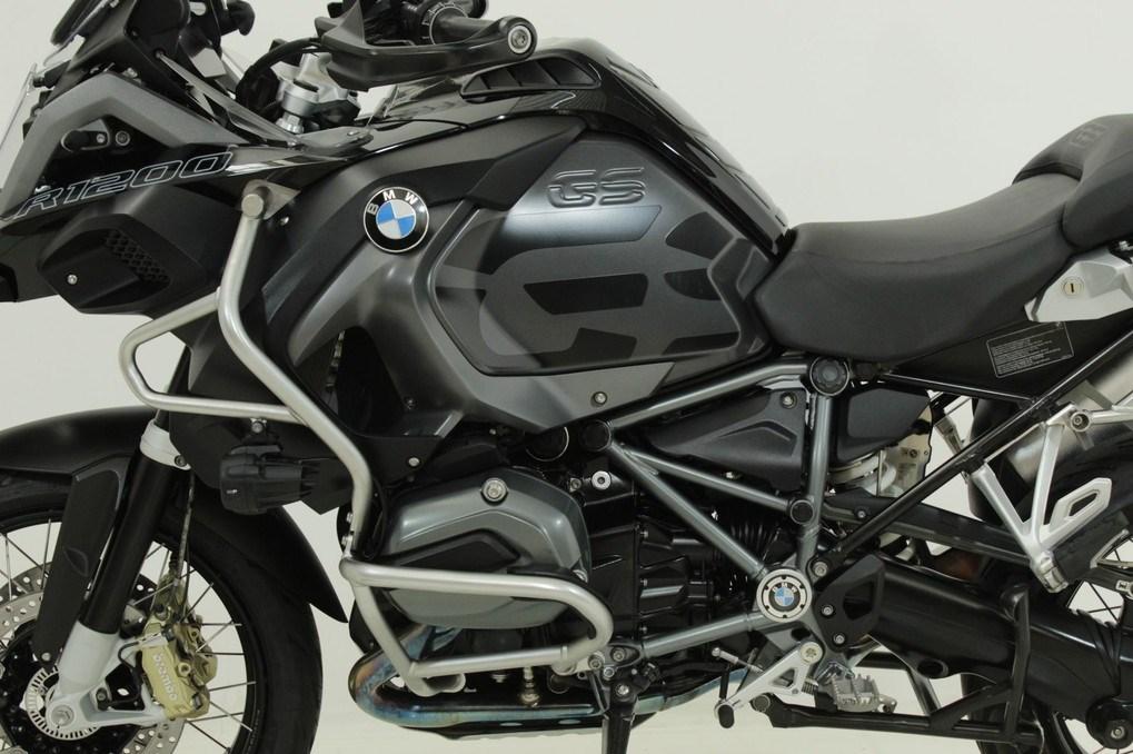 //www.autoline.com.br/moto/bmw/r-1200-gs-adventure-premium-triple-black-gas/2019/jundiai-sp/14575596