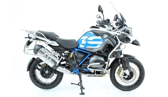 //www.autoline.com.br/moto/bmw/r-1200-gs-premium-rallye-gas-mec-basico/2018/jundiai-sp/10700703