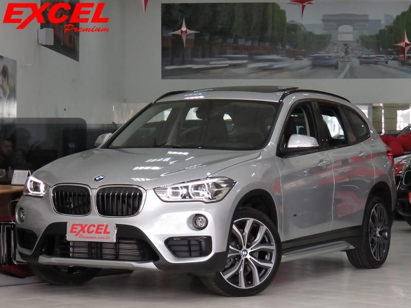 //www.autoline.com.br/carro/bmw/x1-20-sport-231cv-16v-flex-4p-automatico-4x4-tur/2018/curitiba-pr/10187614