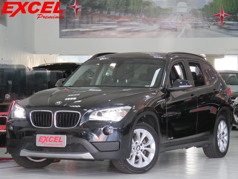 //www.autoline.com.br/carro/bmw/x1-20-18i-150cv-16v-gasolina-4p-automatico/2014/curitiba-pr/10192728