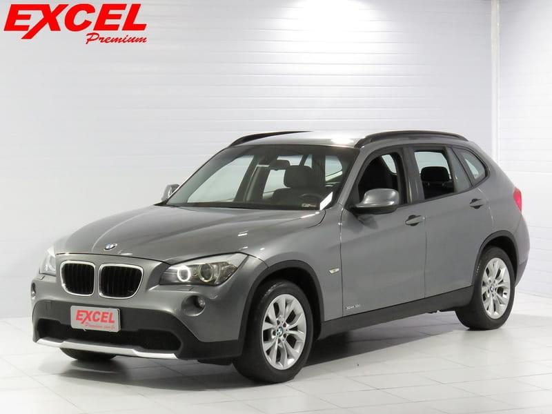//www.autoline.com.br/carro/bmw/x1-20-18i-150cv-16v-gasolina-4p-automatico/2011/curitiba-pr/11593918
