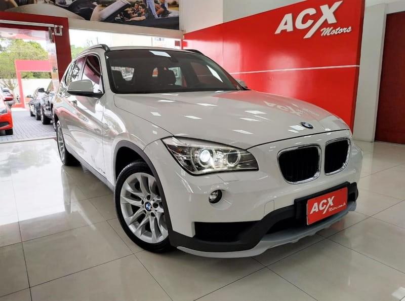 //www.autoline.com.br/carro/bmw/x1-20-20i-184cv-16v-flex-4p-automatico/2015/curitiba-pr/12594021