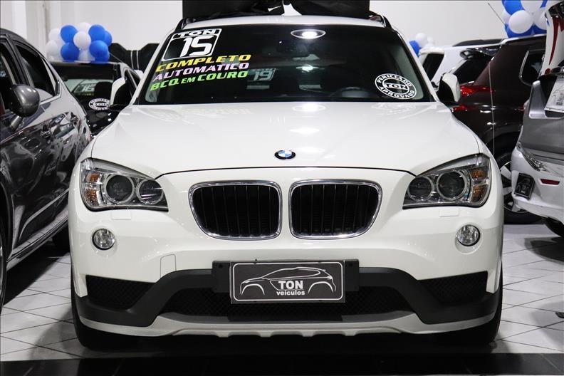 //www.autoline.com.br/carro/bmw/x1-20-20i-184cv-16v-flex-4p-automatico/2015/sao-paulo-sp/13015239