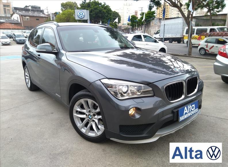 //www.autoline.com.br/carro/bmw/x1-20-20i-184cv-16v-flex-4p-automatico/2015/sao-paulo-sp/13577341