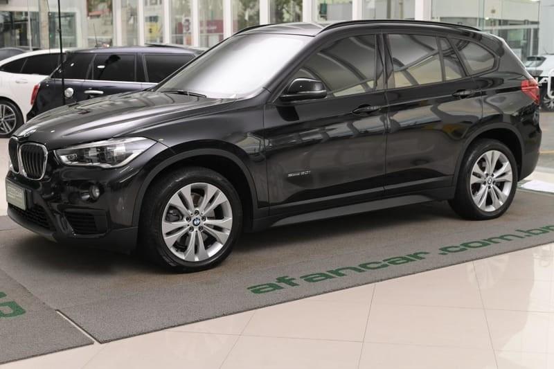 //www.autoline.com.br/carro/bmw/x1-20-sdrive20i-gp-16v-flex-4p-turbo-automatico/2017/curitiba-pr/14012542